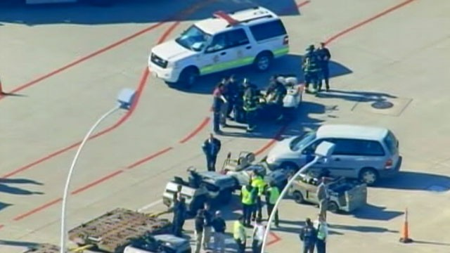PHOTO: A checked bag exploded, injuring one, at Chicago's O'Hare airport on Nov. 1, 2011.