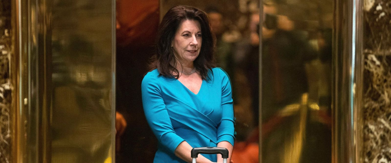 PHOTO: Attorney Sheri Dillon arrives at Trump Tower in New York, Jan. 17, 2017.