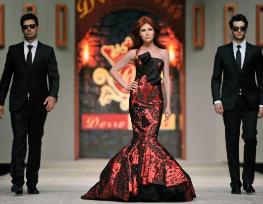 Anna Chapman Hits the Turkish Catwalk