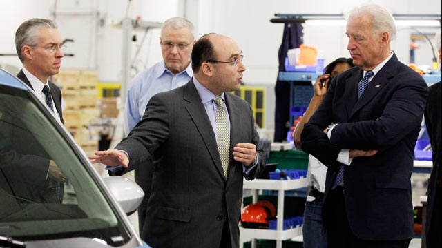 PHOTO: Ener1 Inc. CEO Charles Gassenheimer takes Vice President Joe Biden on a tour of the plant in Greenfield, Ind., Jan. 26, 2011.