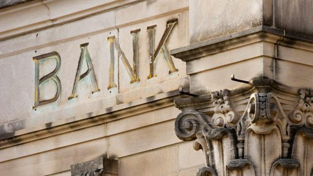 PHOTO: Bank