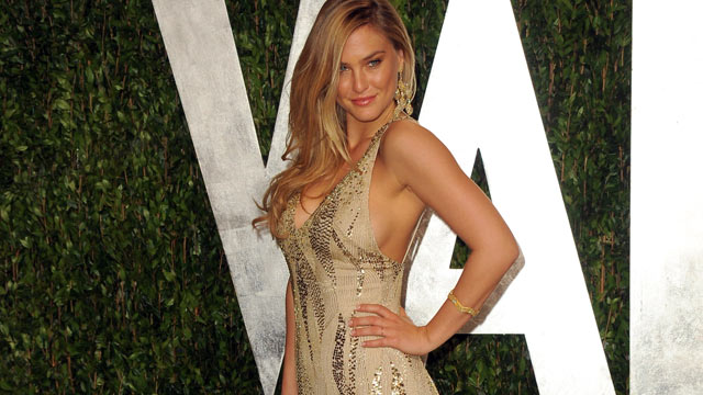 PHOTO: Model Bar Refaeli arrives at the 2012 Vanity Fair Oscar Party Hosted By Graydon Carter held at Sunset Tower, Feb. 26, 2012 in West Hollywood, California.