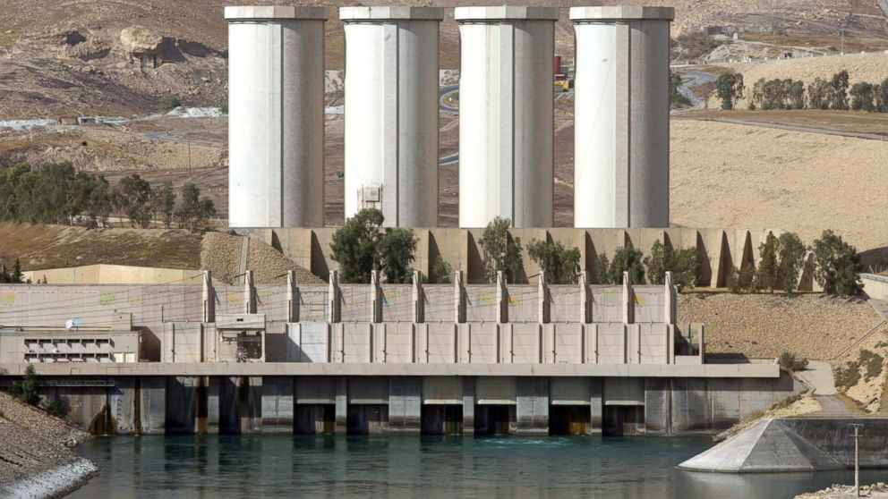 PHOTO: A general view shows the Mosul dam on the Tigris River around 50 kilometres north of the northern Iraqi city of Mosul, Oct. 31, 2007.