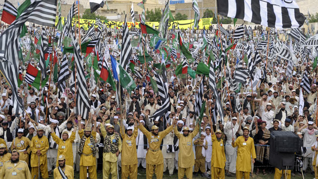 PHOTO: Activists of the Defence Council of Pakistan, shout anti-US slogans in Quetta on April 26, 2012, against the reopening of the NATO supply route to Afghanistan.