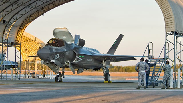 PHOTO: F-35 fighter jet