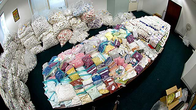 PHOTO: Hundreds of thousands of seized pills