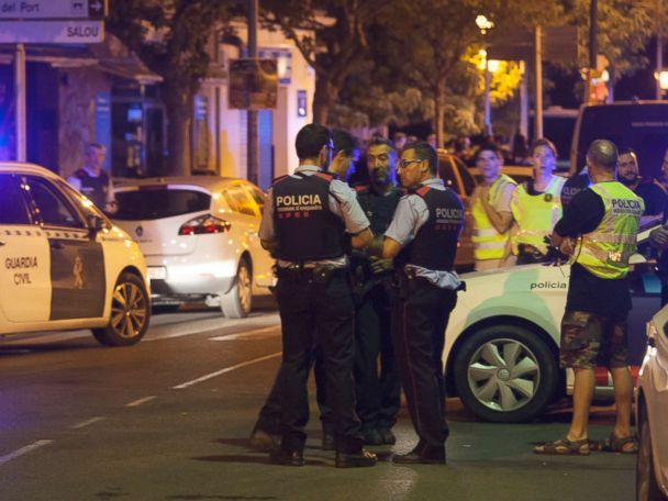 Authorities in Spain hunting for 4 suspected terrorists in widening plot