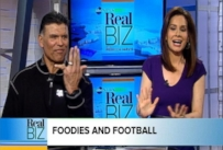 VIDEO: What Happened to Hall of Famer Anthony Munoz's Left Pinky Finger?