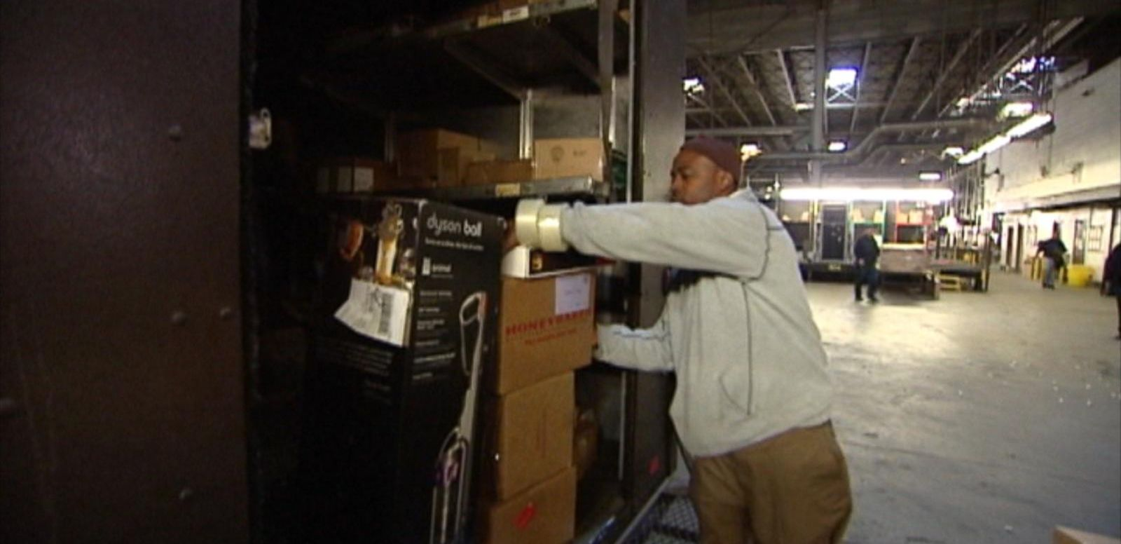 VIDEO: UPS, FedEx capping express holiday deliveries.