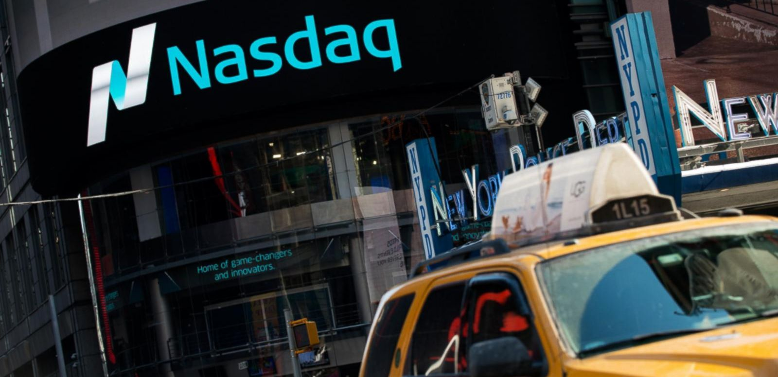 VIDEO: Big Number: Nasdaq Hits 5,000 as Investors Trade Like It's 2000
