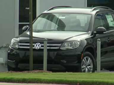 Watch:  3856 VW Expected to Reach Compensation Agreement on Emissions Scandal