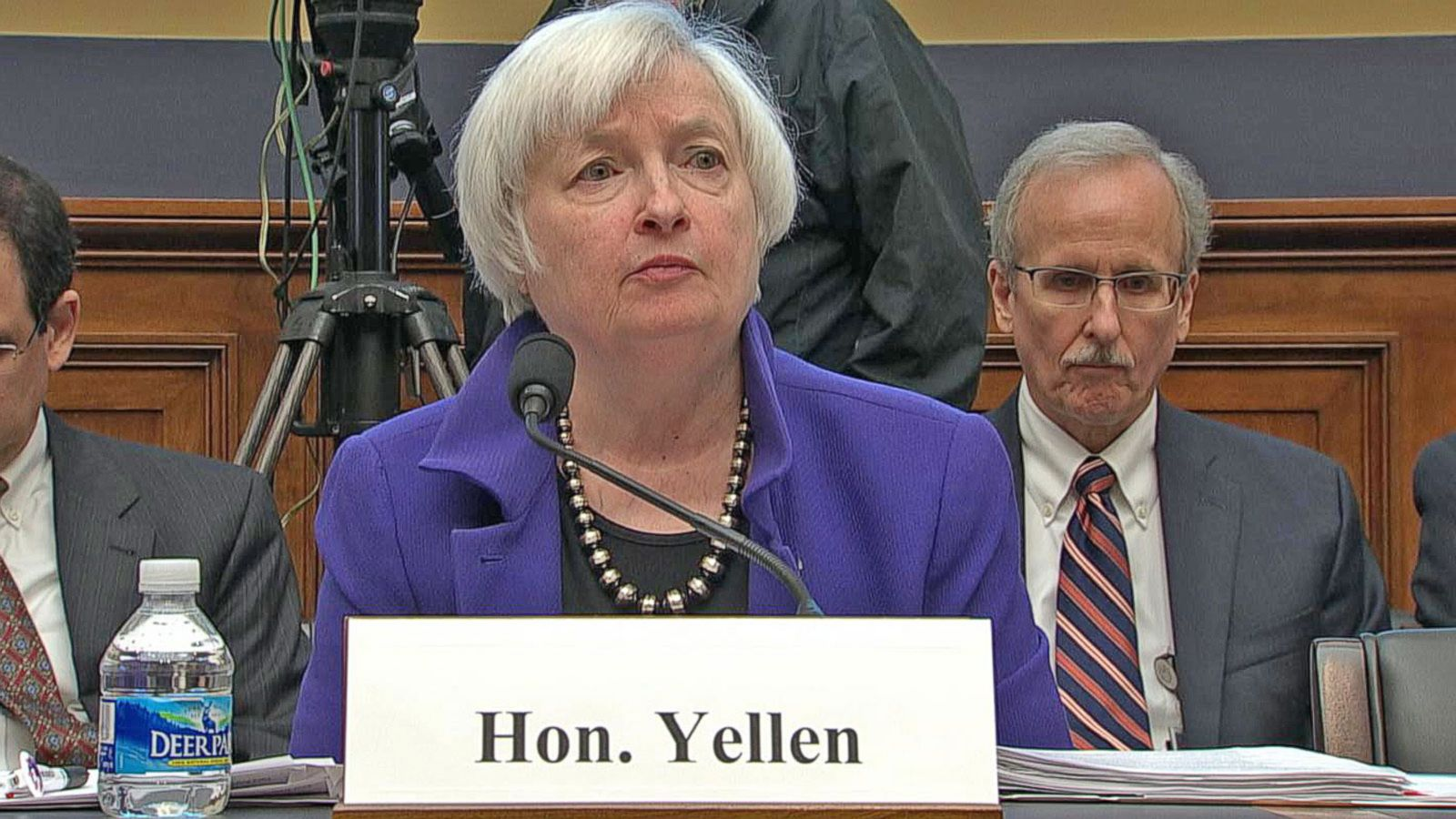 VIDEO: Congressman Asks Fed Chairwoman if Wells Fargo Should Be Broken Up