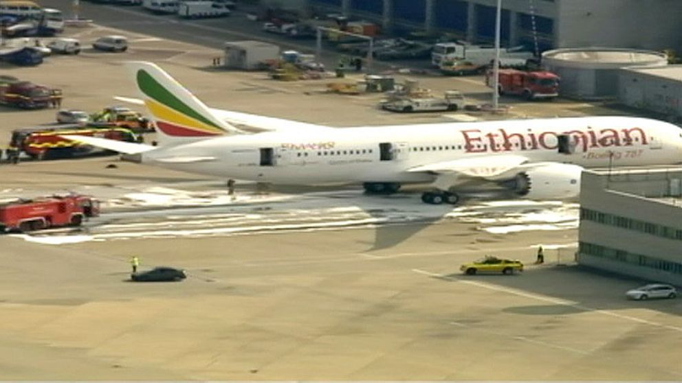 PHOTO: ethiopian airlines, dreamliner, fire, plane, heathrow, airport