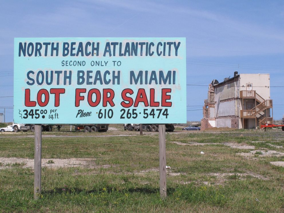 PHOTO: This June 23, 2014 photo shows a sign advertising for development on an oceanfront parcel of land in Atlantic City, N.J.