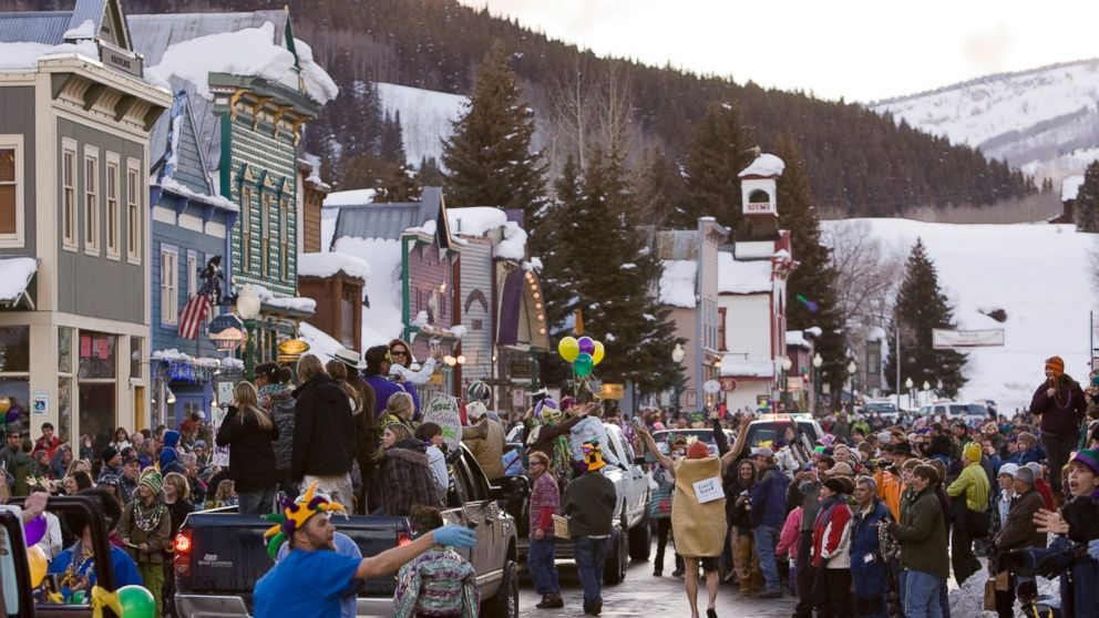 PHOTO: In this Feb. 24, 2009 file photo, a crowd gathers on Elk Avenue in Crested Butte, Colo., during a Mardi Gras parade celebration.