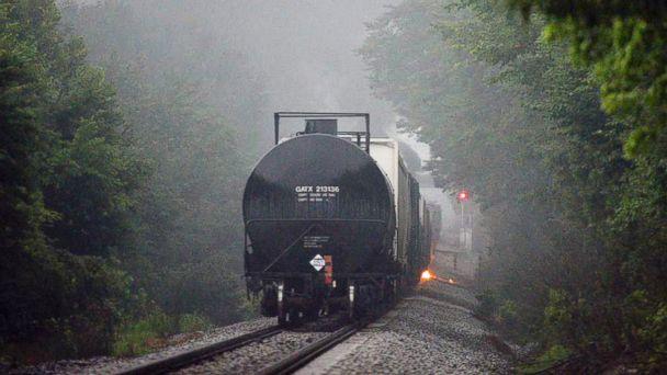 http://a.abcnews.com/images/Business/AP_tenn_train_derialment_mm_150702_16x9_608.jpg