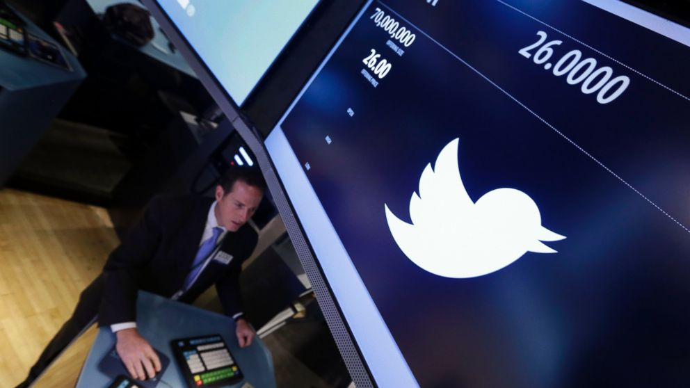 PHOTO: Specialist who will handles the Twitter IPO works at his post on the floor of the New York Stock Exchange, Nov. 7, 2013.