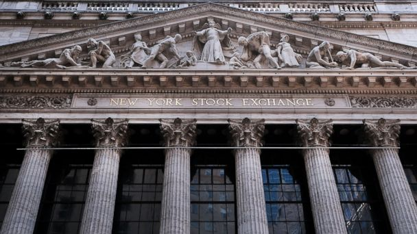 http://a.abcnews.com/images/Business/GTY_Dividends_Stocks_02_jrl_160324_16x9_608.jpg