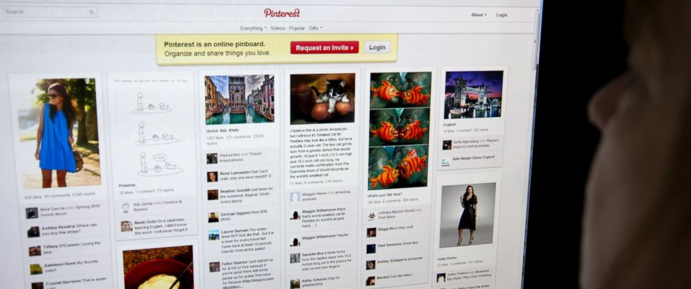 PHOTO: A woman looks at the internet site Pinterest.com on March 13, 2012.