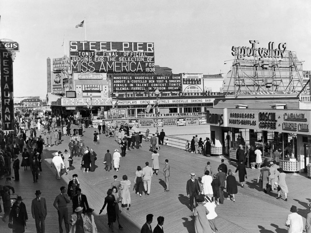 PHOTO: People walking on the boardwalk at Atlantic City, N.J., 1938.