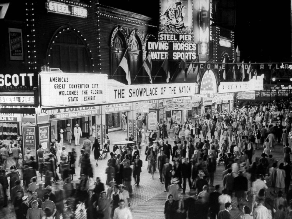 PHOTO: Nightime view of crowds gathering outside the Steel Pier in Atlantic City, N.J., July 1, 1941.