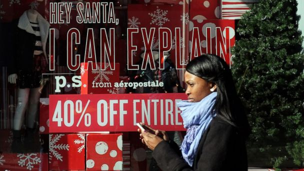 http://a.abcnews.com/images/Business/GTY_holiday_shopping_ll_141125_16x9_608.jpg