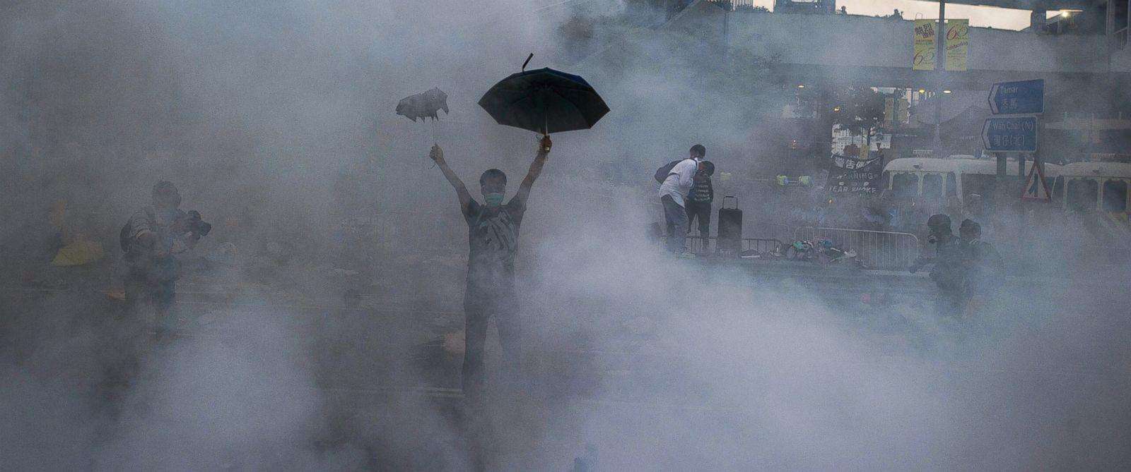 Good Morning America Umbrella : Iconic photo shows umbrella as symbol of hong kong s