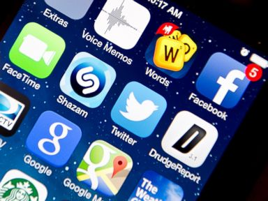 PHOTO: Apps on an Apple iPhone 5S, Jan. 22, 2014 in Washington.