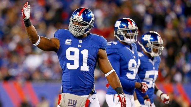 PHOTO: Justin Tuck, #91 of the New York Giants, in action against the Dallas Cowboys, Nov. 24, 2013 in East Rutherford, N.J.