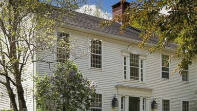 Renee Zellweger Selling Connecticut Country Home