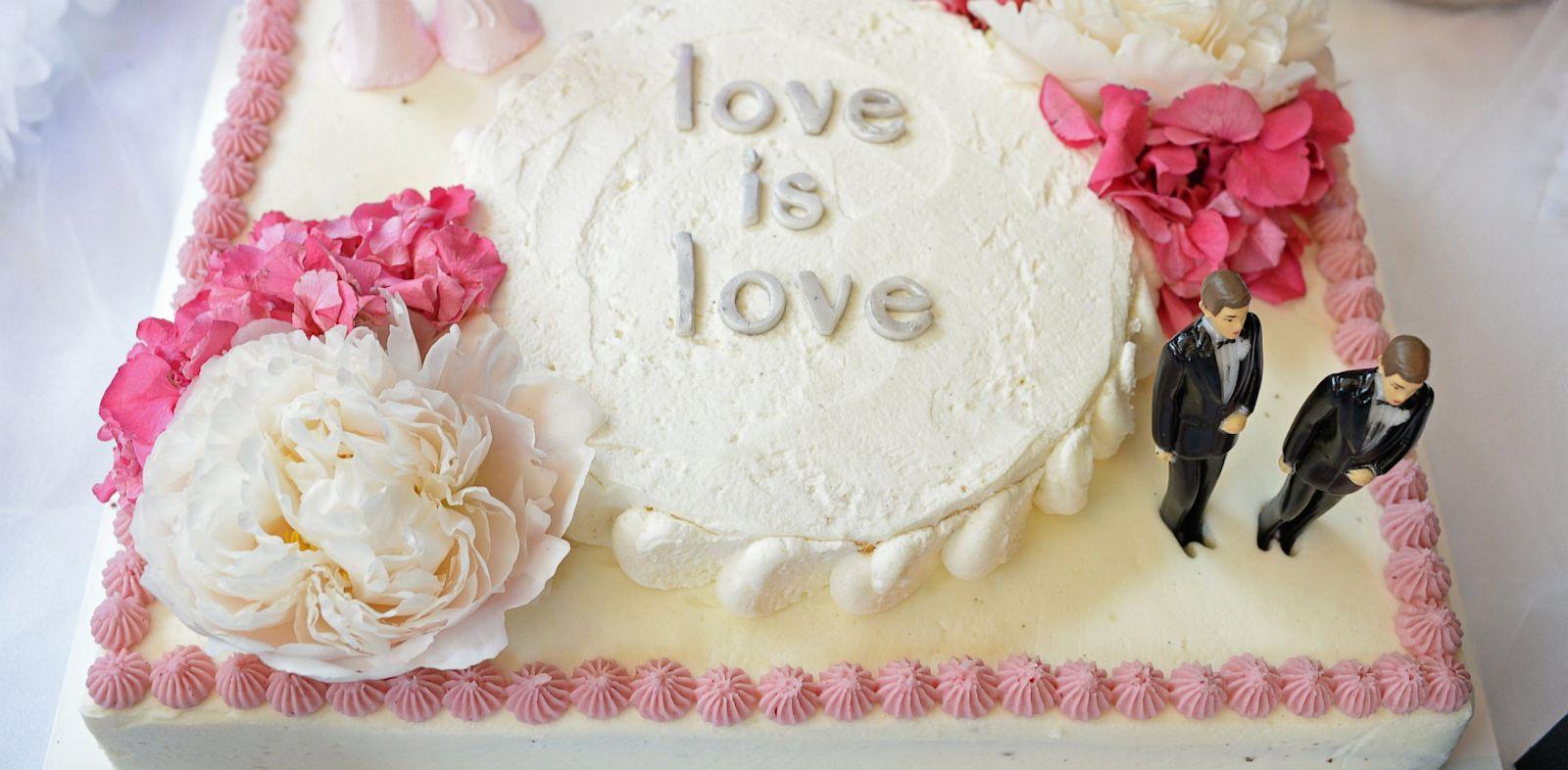 PHOTO: wedding cake, same sex, doma