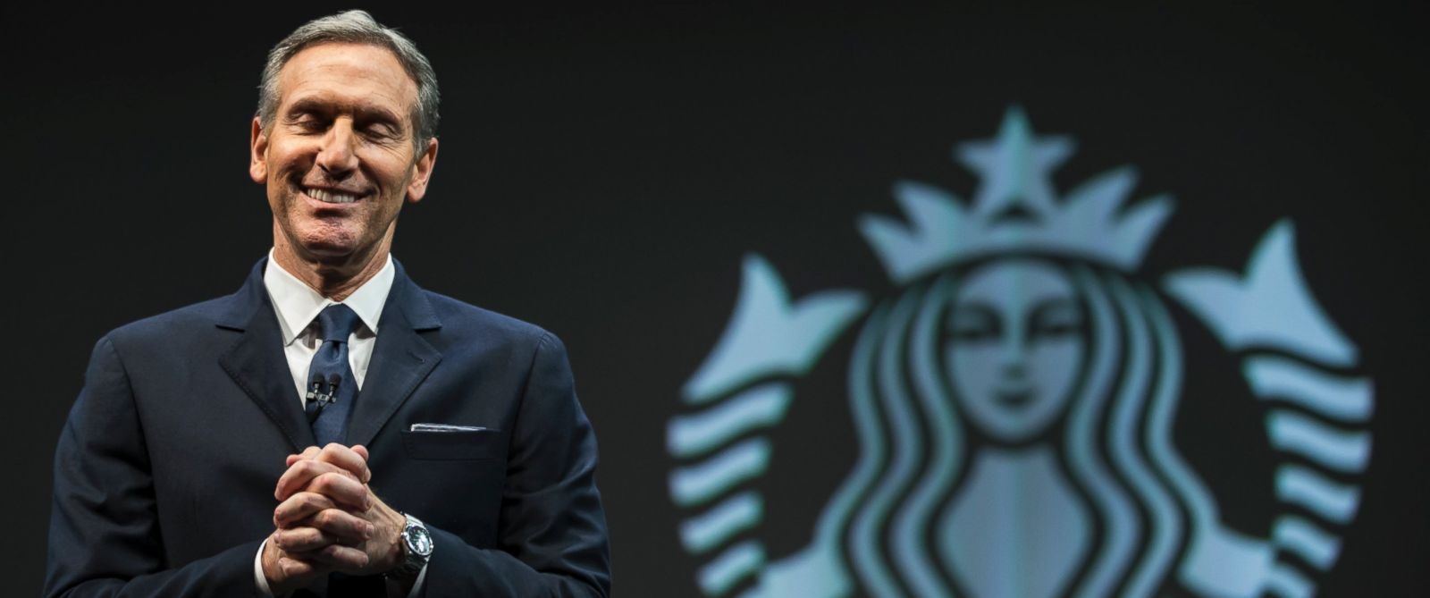 PHOTO: Starbucks CEO Howard Schultz speaks in Seattle, March 18, 2015.