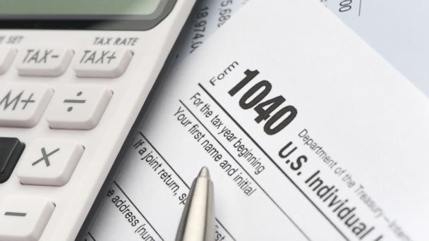 GTY tax tk 140407 16x9 608 Millions Illogically Dawdle Until End to File for Tax Refunds