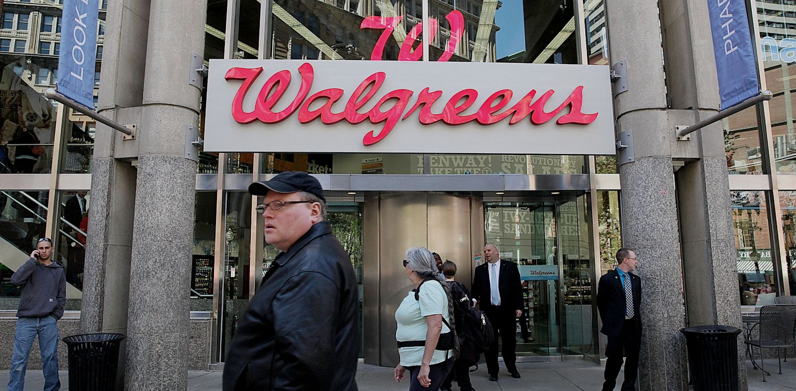 PHOTO: Walgreens To Offer Private Health Coverage