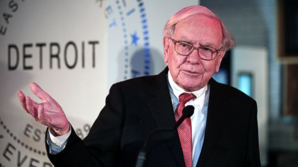 PHOTO: In this file photo, Warren Buffett is pictured on Nov. 26, 2013 in Detroit, Mich.