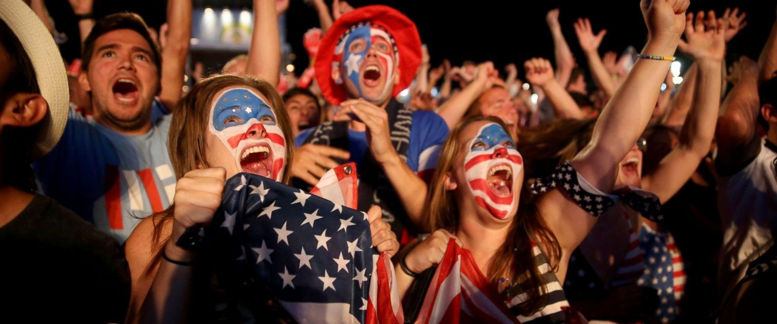 PHOTO: USA soccer fans react as their team scores their second goal against Portugal, June 22, 2014 in Rio de Janeiro, Brazil.