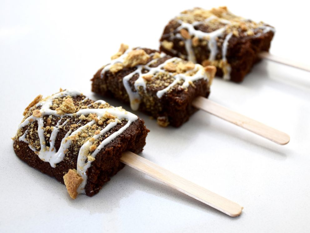 PHOTO: Smores Brownie Pops from Foodstirs
