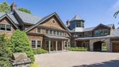 Bruce Willis Buys Two Parcels in Bedford, New York