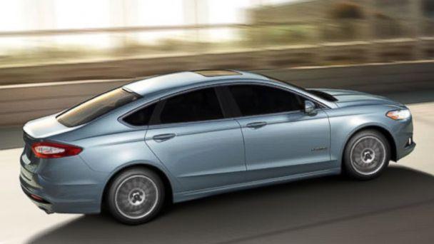 PHOTO: Ford Fusion SE Hybrid