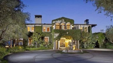 PHOTO: TV Personality/Model Heidi Klum Lists Mansion