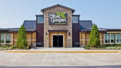 Attractive Olive Garden Apologizes To Kansas City Cop