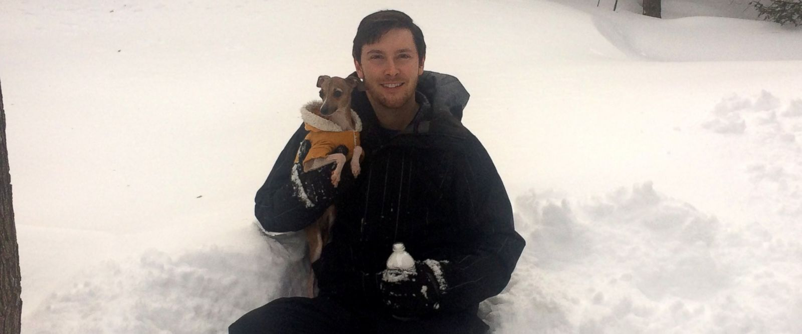 PHOTO: Kyle Waring, 27, of Manchester-by-the-Sea, Massachusetts, is selling snow on the Internet.