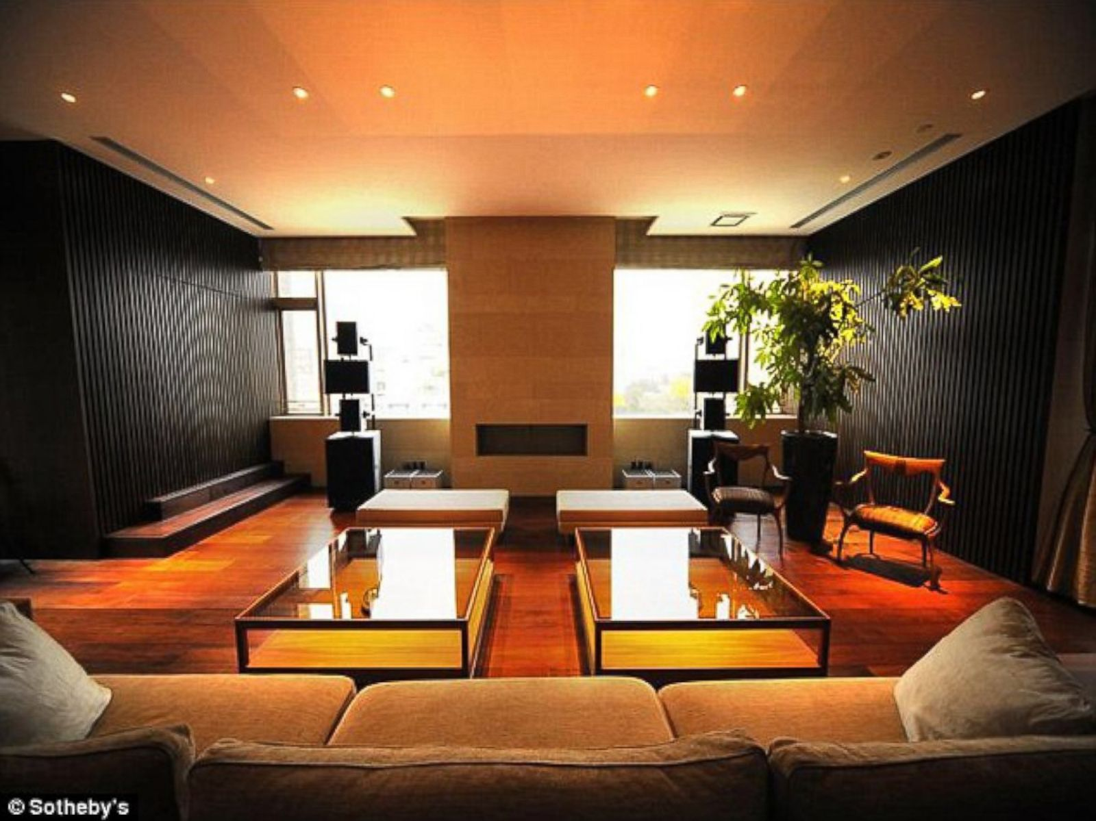 Tokyo\'s Most Expensive One-Bedroom Flat at $15 Million Picture ...