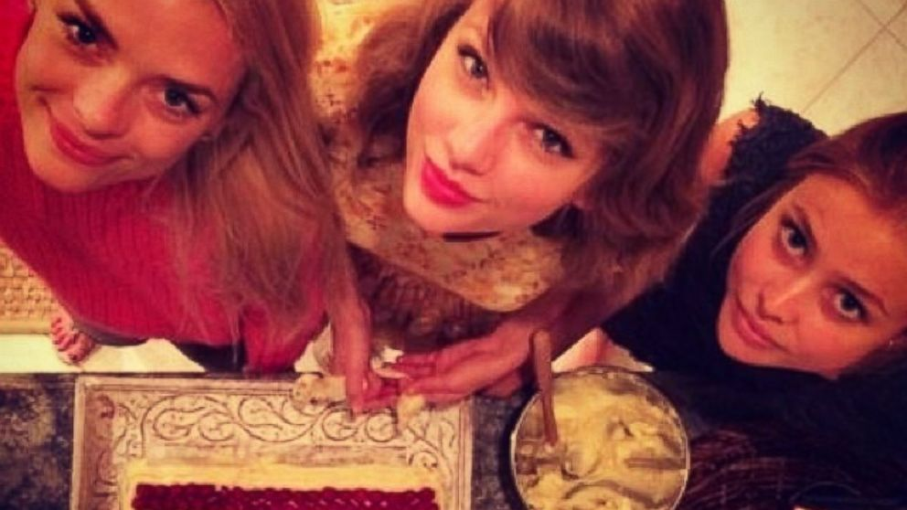 """PHOTO: Taylor Swift posted this photo on Instagram with this caption: """"Look @inagarten !!!! We wish you were here-- love, TS,@jaime_king @amandygriffith"""" July 3, 2014."""