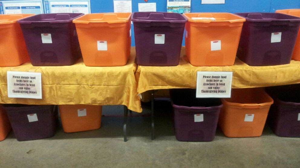 PHOTO: An Ohio Walmart store is holding a Thanksgiving food drive for its employees.