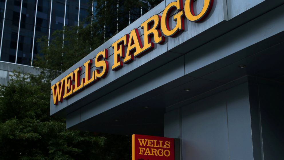 http://a.abcnews.com/images/Business/RT_wells_fargo_hb_160927_16x9_992.jpg