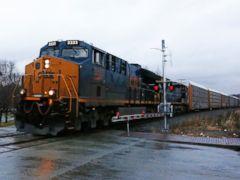 CSX railroad delivers 15 percent improvement in 2Q profit