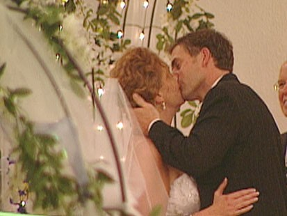 VIDEO: Wedding tips and budget advice from Destination Weddings.com.