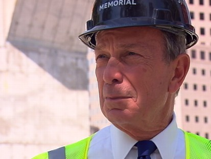 """VIDEO: Mayor Mike Bloomberg and """"GMAs"""" Robin Robert tour ground zero."""