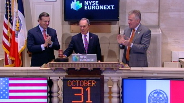 VIDEO: NYC mayor is on hand as New York Stock Exchange opens after two-day closure.